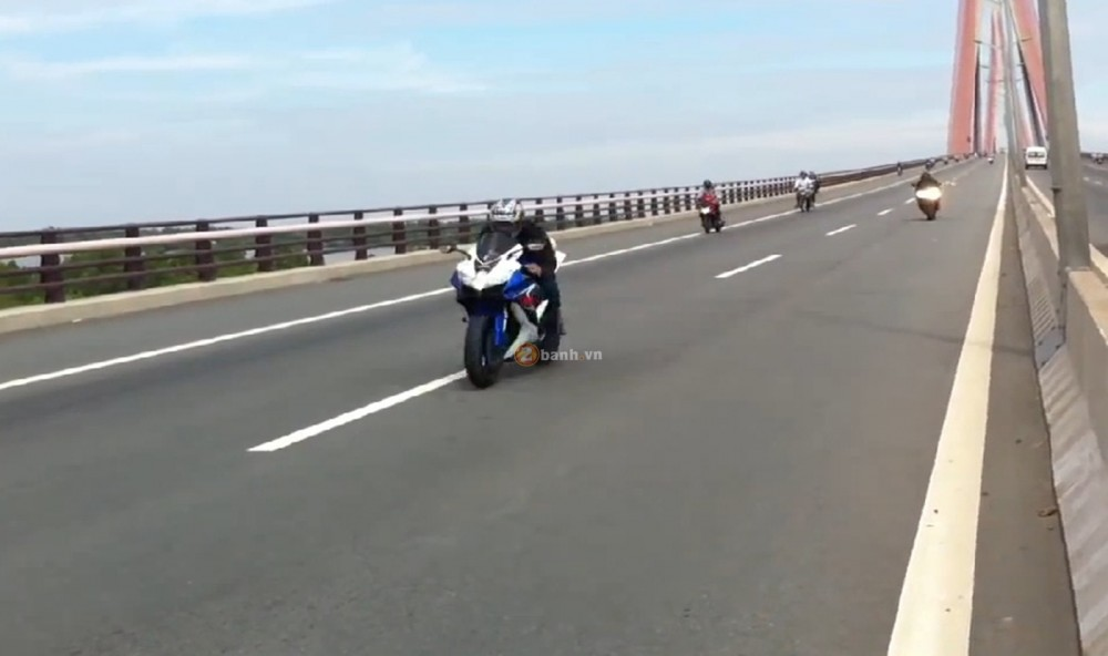 Viet Nam Top speed Suzuki GSXR 750 Vs Yamaha R6 - 3