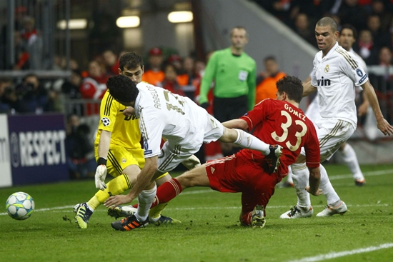 01h45 ngay 2404 Real Madrid Bayern Munich Nguoi Madrid so Con quai vat den - 3