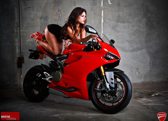 Anh hot girl VS Ducati 1199 - 7