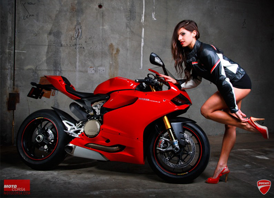 Anh hot girl VS Ducati 1199 - 13