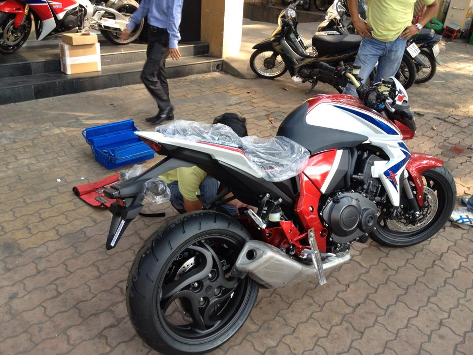 Dap hop CB1000R Barracuda ABS LE 2014 - 3
