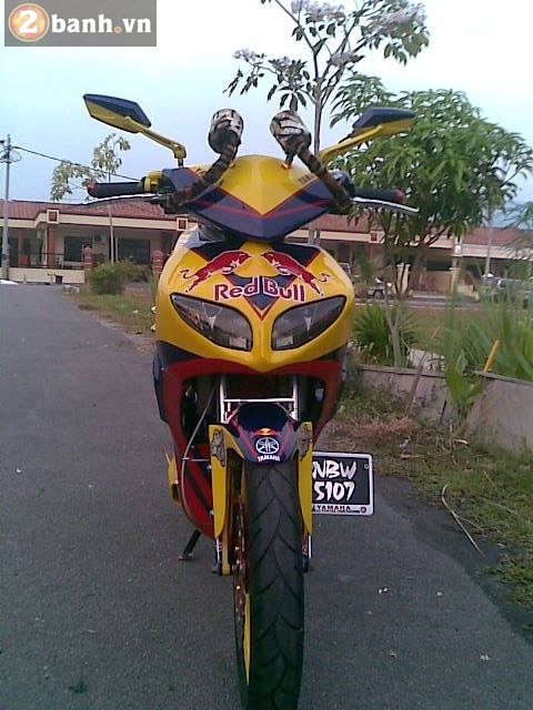Exciter Redbull than thanh Malay om giai nhat xe dep - 4
