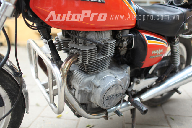Hondamatic CB400A Hawk hon tay ga da hang con