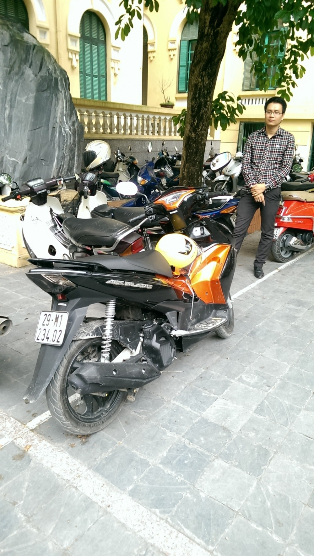Can ban Honda Air Blade 125 gia tot