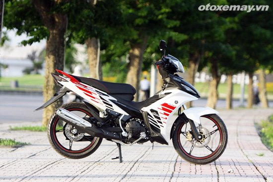 Can canh Yamaha Exciter RC 2014 voi bo tem moi - 2