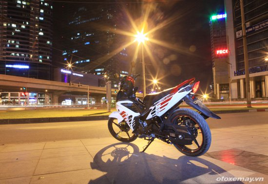 Can canh Yamaha Exciter RC 2014 voi bo tem moi - 15