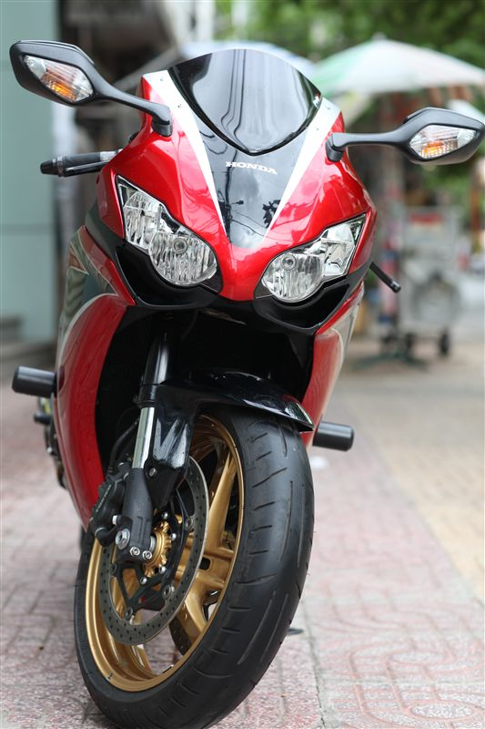 CBR1000RR vo it do nhe