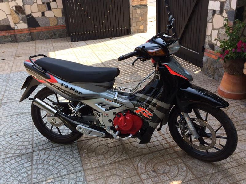 Chiec Suzuki Satria 2000 may do dep long lanh - 4