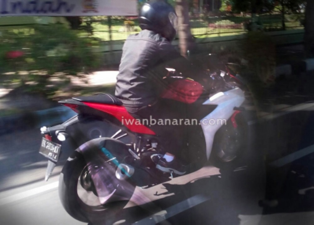 Ghe that Yamaha R25 co the dat 195 kmh - 6