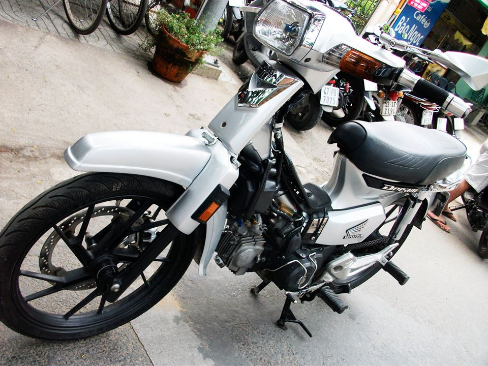 Honda Dream sieu nhan bac - 4