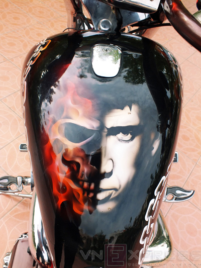 Suzuki Intruder co may moi cua Ghost Rider - 8