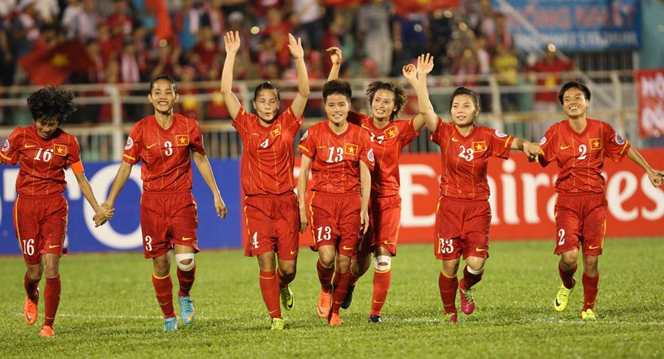 Tran tranh ve VCK World Cup 2015 Viet Nam loi the hon Thai Lan