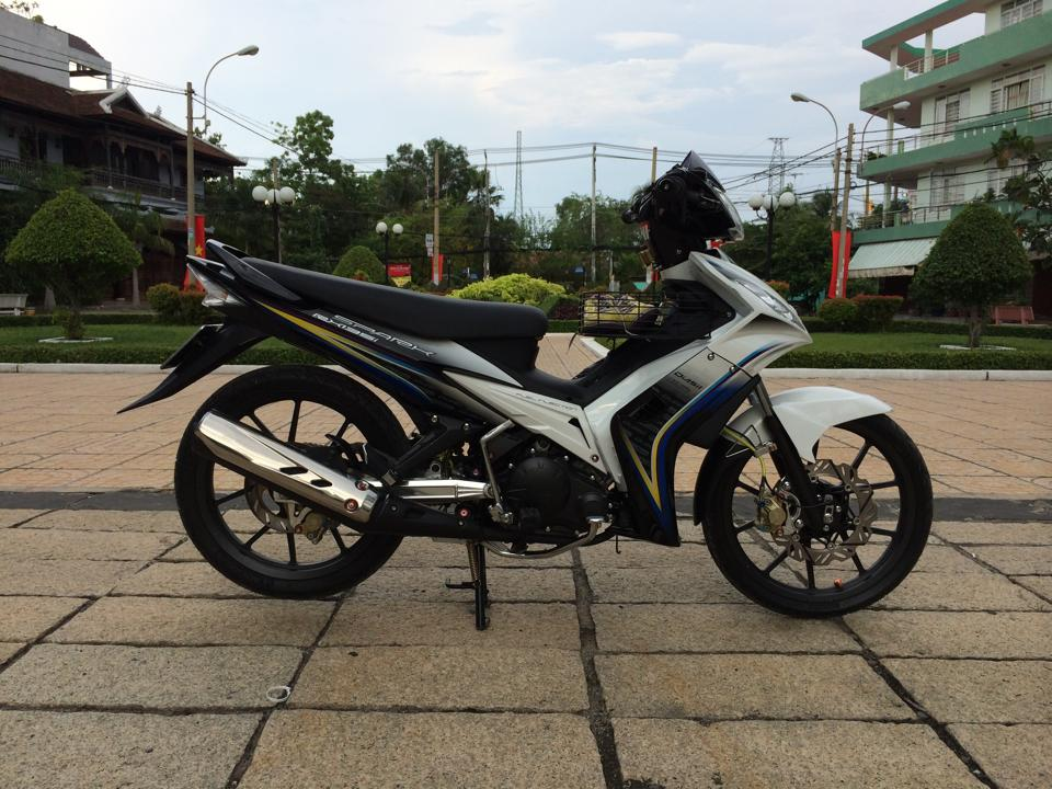 Exciter phong cach Spark 135i do chat choi
