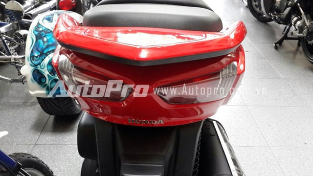 Can canh Honda Forza 300 2014 vua ve den Ha Noi - 15