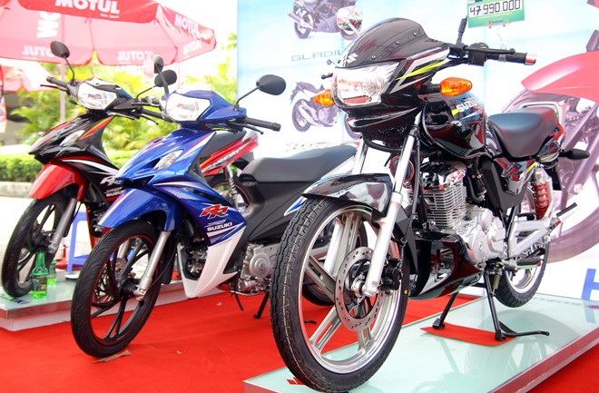 Can canh Thunder 150S Fi xe con tay gia re cua Suzuki Viet Nam