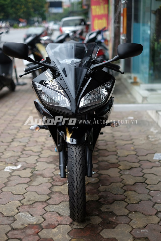 Can canh Yamaha R15 Special Edition tai Viet Nam - 3