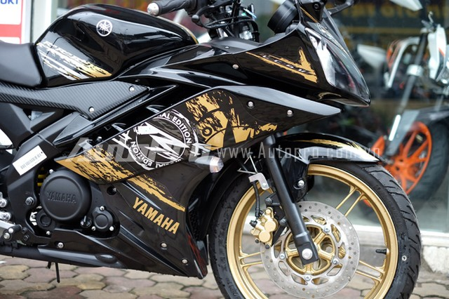 Can canh Yamaha R15 Special Edition tai Viet Nam - 6