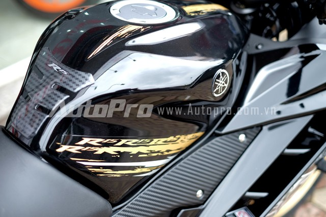 Can canh Yamaha R15 Special Edition tai Viet Nam - 22