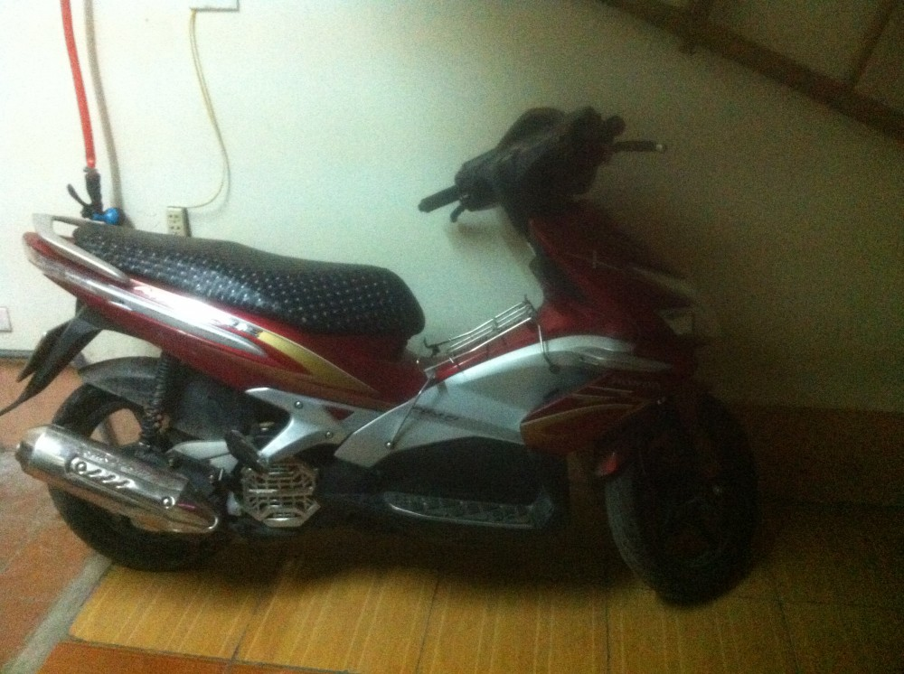 Can giup ve HonDa airblade 2010 FI