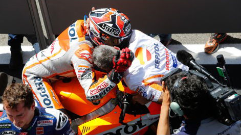 Moto GP Marc Marquez gianh chien thang day nghet tho tai chan 6 - 10