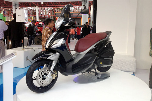 Piaggio ra mat cap doi scooter sport tai Indonesia