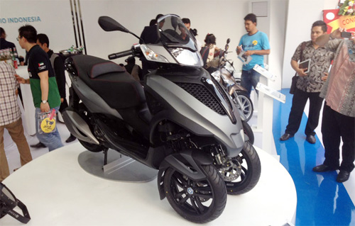 Piaggio ra mat cap doi scooter sport tai Indonesia - 2