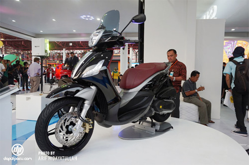 Piaggio ra mat cap doi scooter sport tai Indonesia - 3