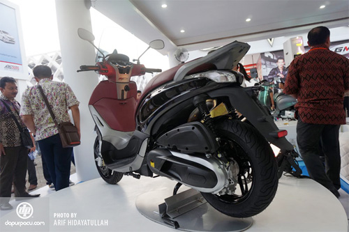 Piaggio ra mat cap doi scooter sport tai Indonesia - 4
