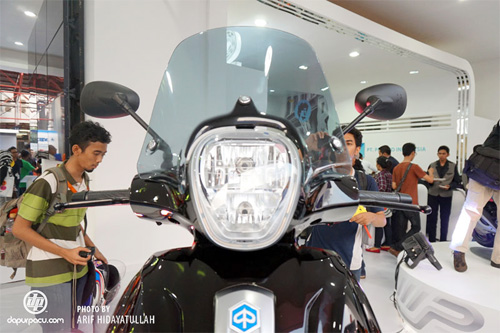 Piaggio ra mat cap doi scooter sport tai Indonesia - 7