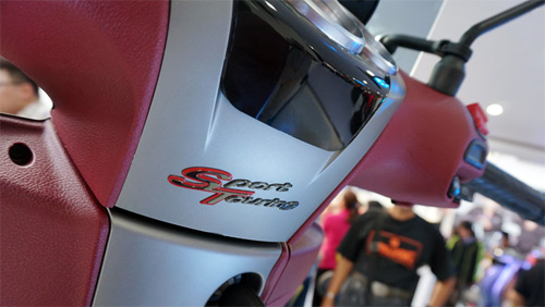 Piaggio ra mat cap doi scooter sport tai Indonesia - 10