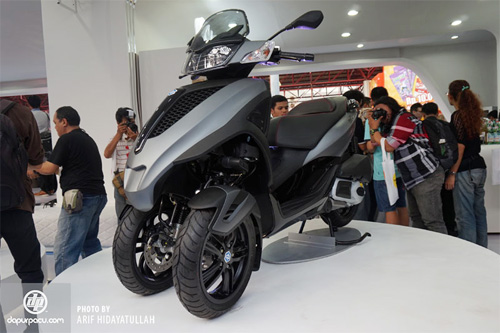 Piaggio ra mat cap doi scooter sport tai Indonesia - 11