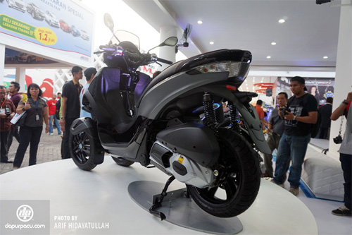 Piaggio ra mat cap doi scooter sport tai Indonesia - 12