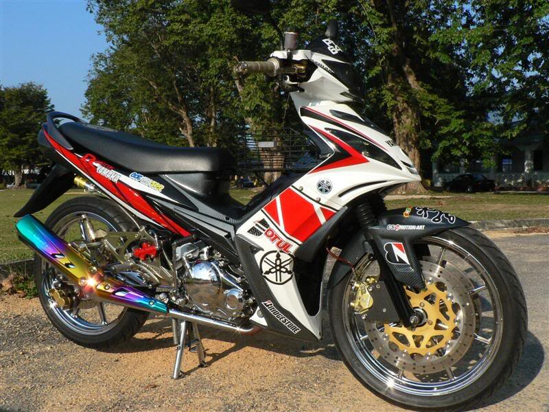 Exciter LC 135 do cuc ngau theo phong cach MotoGP