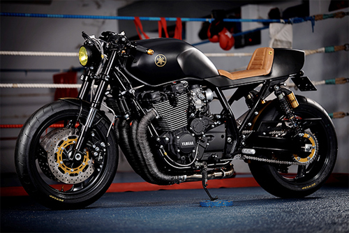 Yamaha XJR1300 Stealth do cafe racer voi cam hung tu chien dau co