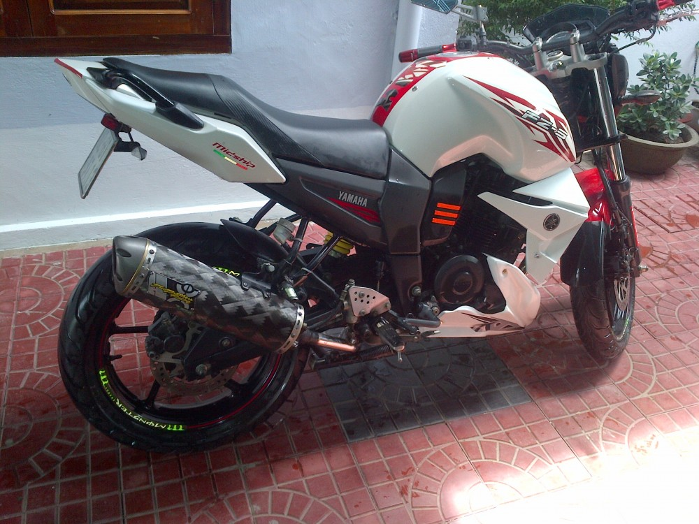 can ban fzs trang do 2012