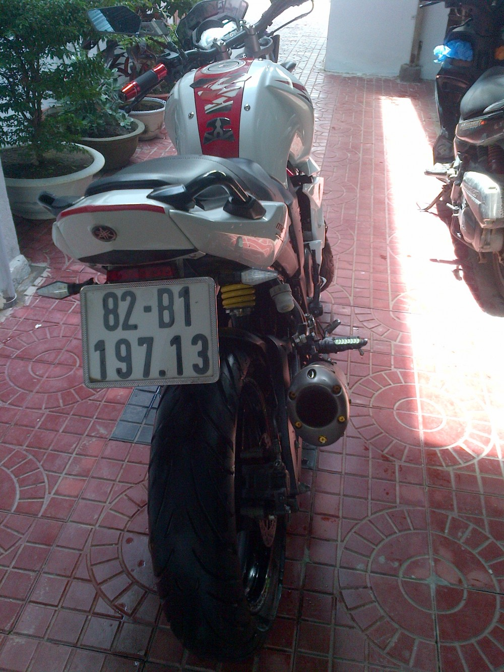can ban fzs trang do 2012 - 3