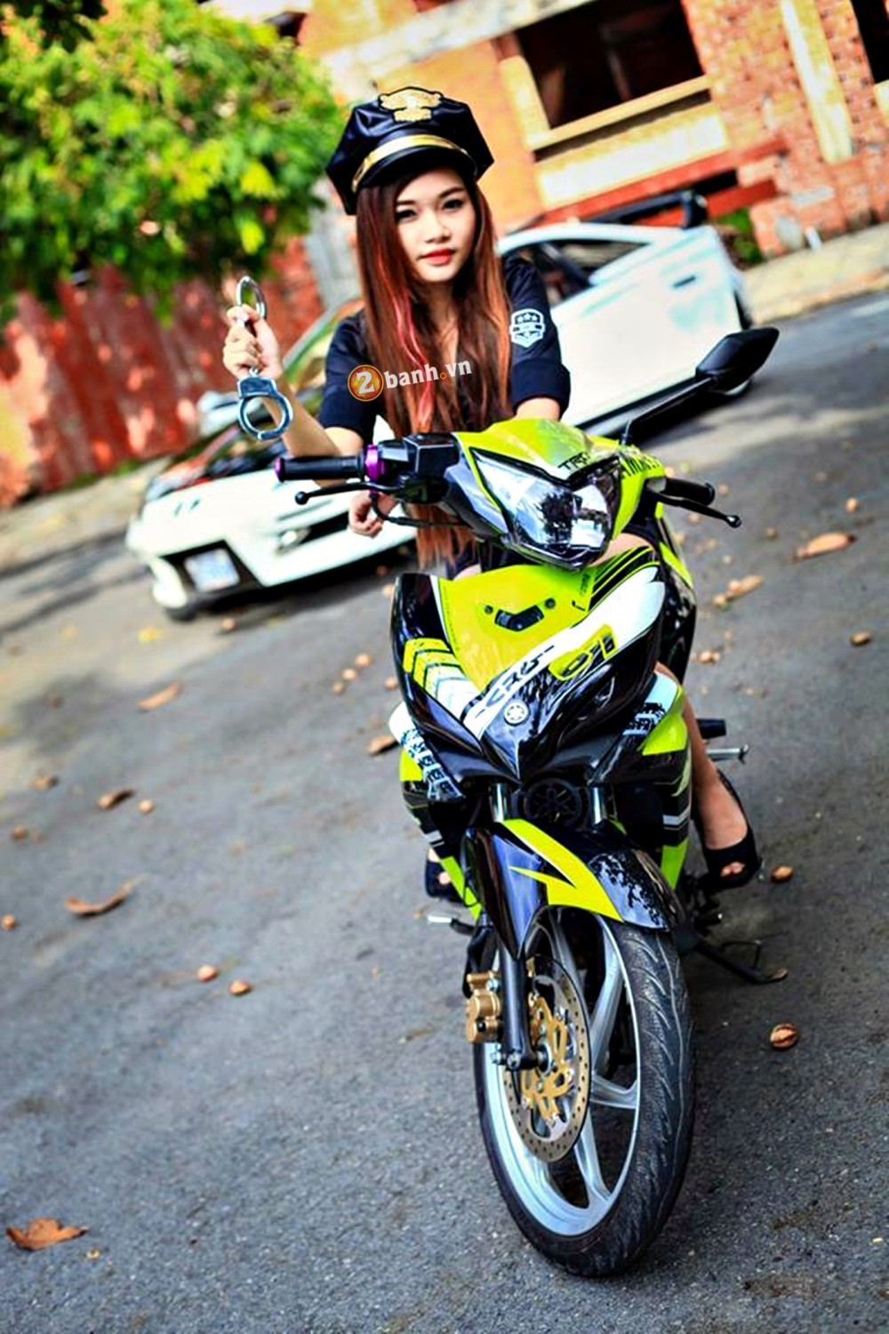 Exciter phien ban Green TRD Legendary do dang cung nu canh sat - 5
