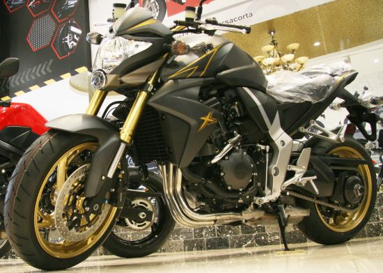 Honda CB1000R thien than hay la hung than - 3
