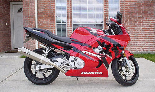 Honda CBR600F3 do phong cach Street Fighter - 2