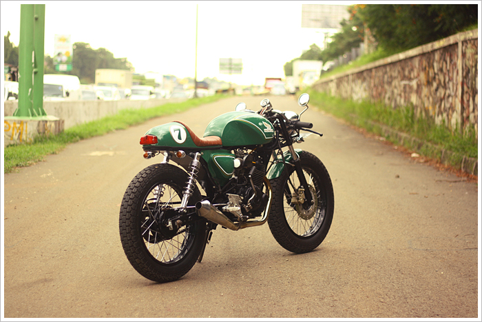 Honda GL200 do Cafe Racer - 3
