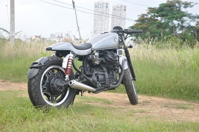 Honda GL400 cafe racer do chat den tung chi tiet tai Sai Gon - 2