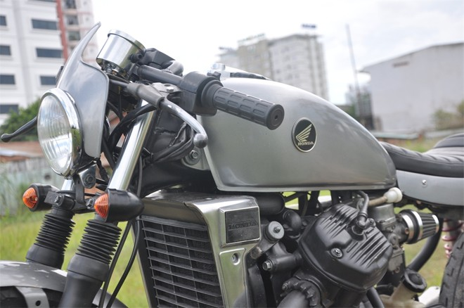 Honda GL400 cafe racer do chat den tung chi tiet tai Sai Gon - 12