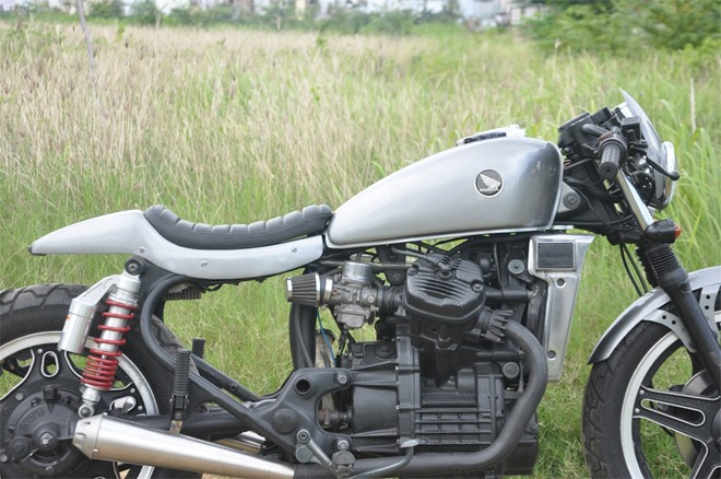 Honda GL400 cafe racer do chat den tung chi tiet tai Sai Gon - 13
