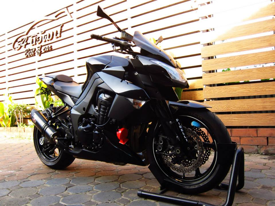 Kawasaki Z1000 black version - 3