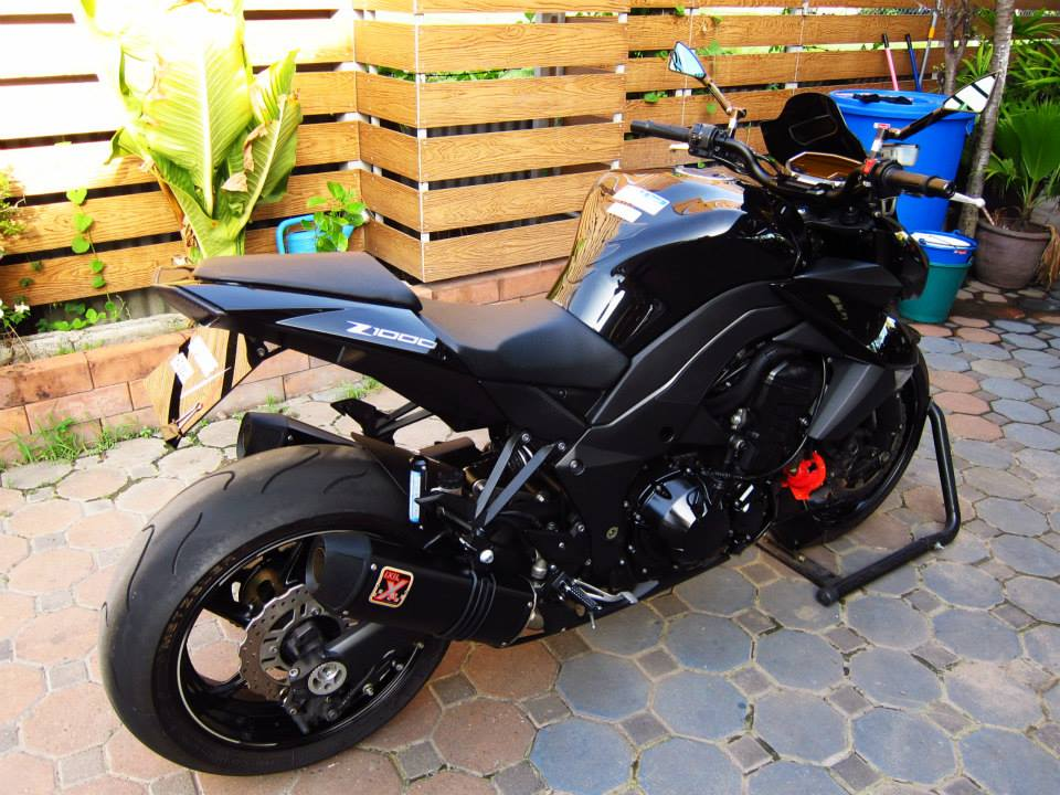 Kawasaki Z1000 black version - 13
