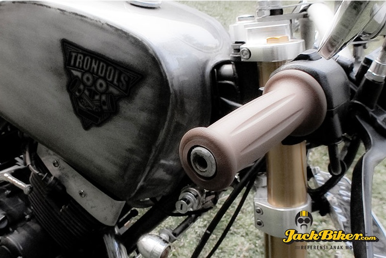 Suzuki Thunder do Cafe Racer - 8