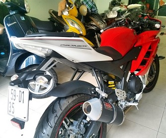 Yamaha R15 v22013 mot doi chu co hinh that - 2