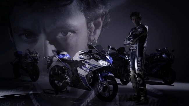 Yamaha R25 sanh buoc cung Valentino Rossi