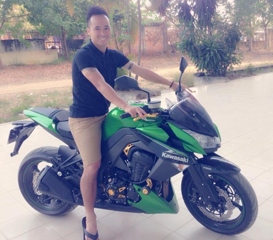 Z1000 va chang cau thu me toc do cung nghi an ban do - 3