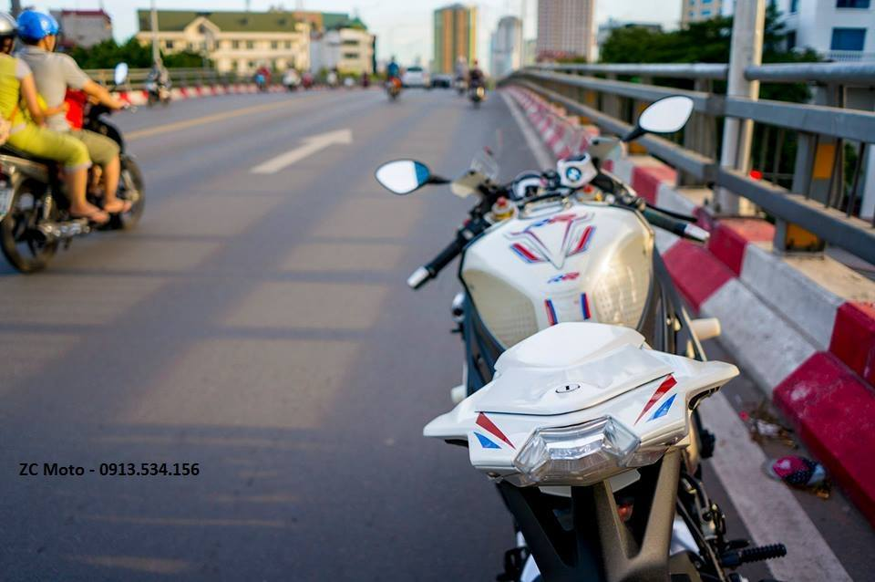 BMW S1000RR 2011 vo nhieu option o Ha Noi - 6